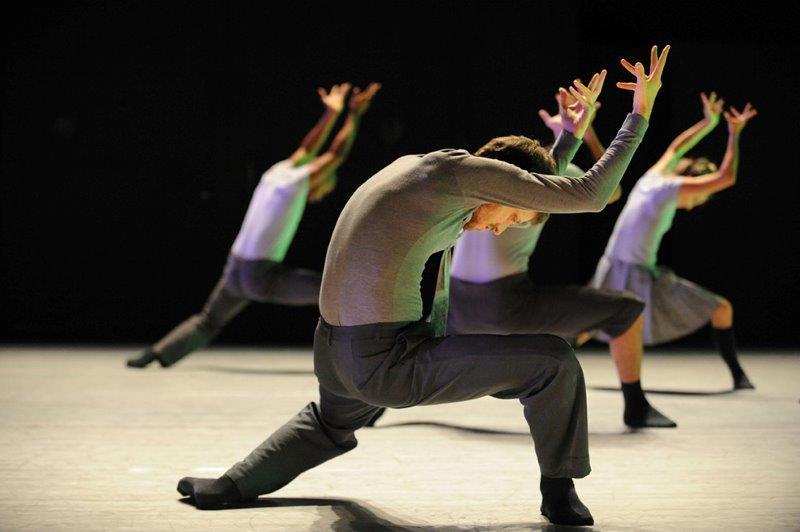 L'energia giovanile del Batsheva Ensemble conquista il Teatro Comunale di Vicenza