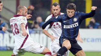 Inter supera il Livorno 2-0 e ritrova Zanetti
