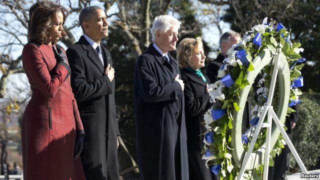 Stati Uniti: Obama e Clinton rendono omaggio a John F. Kennedy