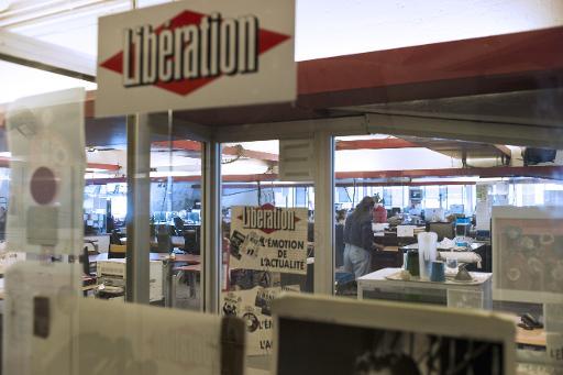 """Francia: uomo apre il fuoco nella sede del giornale """"Libération"""""""