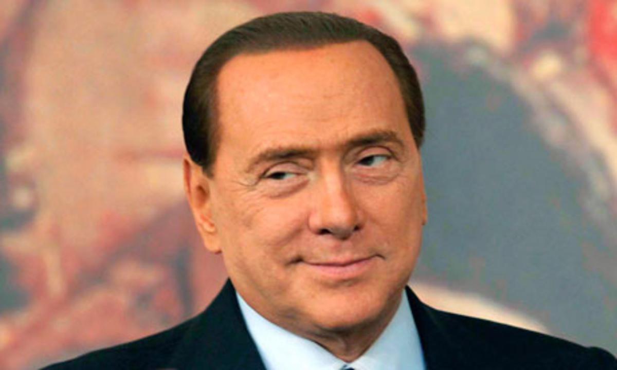 Berlusconi invita alla pacificazione, ma lealisti e governativi scelgono lo scontro