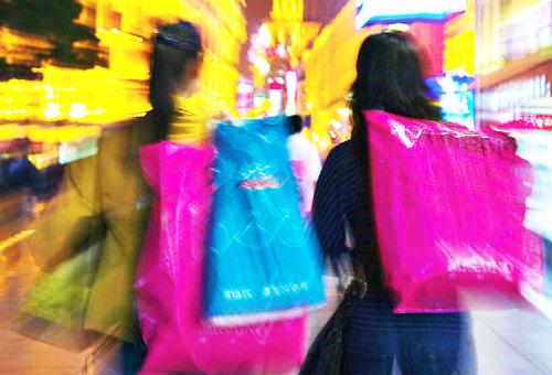 """I consumatori in coro: """"sì al black saturday degli acquisti!"""""""