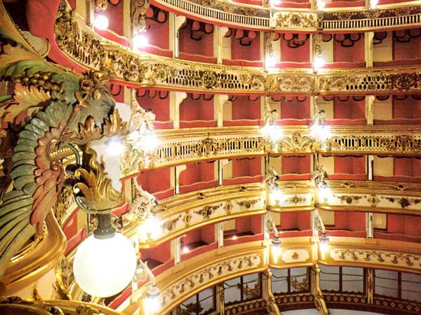 Prosegue la rassegna Teatri del Tempo Presente al Bellini di Napoli