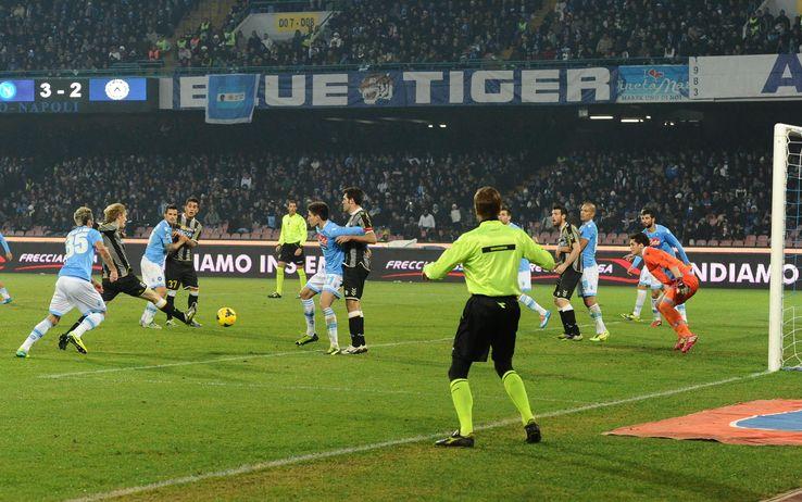 Napoli fermato dall'Udinese sul 3-3, ora la vetta è a + 8