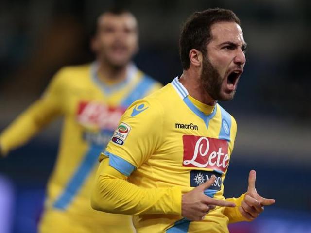 Il Napoli rallenta in terra sarda: 1-1 col Cagliari