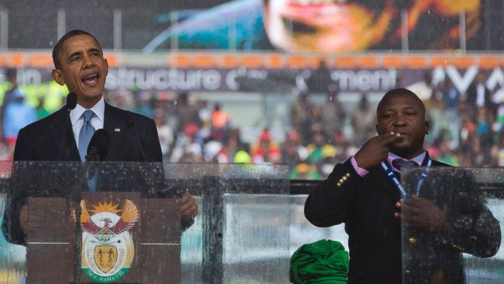 Sud Africa: interprete impostore alla cerimonia per Mandela