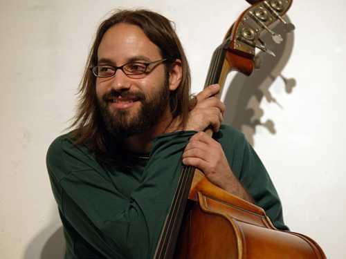 Continua il viaggio musicale dell'Aperitivo in Concerto: da Erik Friedlander a Shanir Ezra Blumenkranz