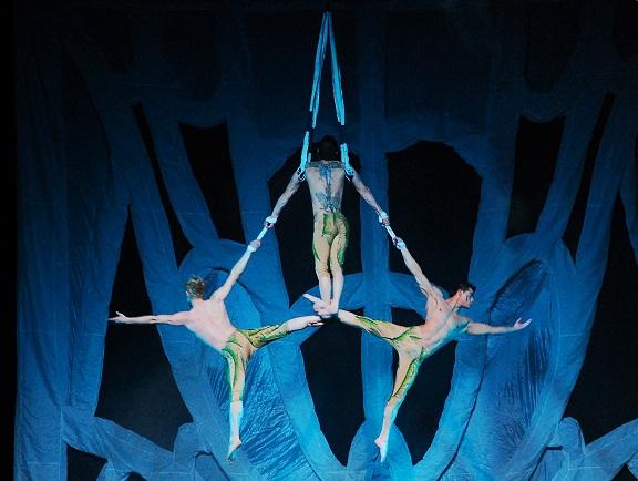 """""""DUUM"""": le acrobazie sotterranee dei Sonics al Teatro Quirino"""