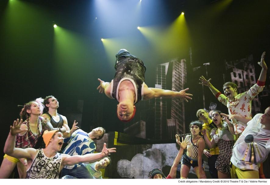 """Esplosione di applausi per Cirque Éloize """"ID"""" al Teatro degli Arcimboldi di Milano"""