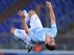 Grande impresa della Lazio: in dieci rimonta e vince. 2-3 al Friuli