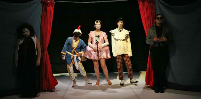 Petitoblok, maschere contro maschere, al teatro Piccolo Bellini di Napoli