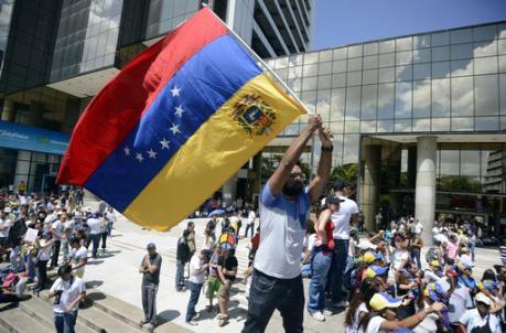 Venezuela: sabato ad alto rischio a Caracas