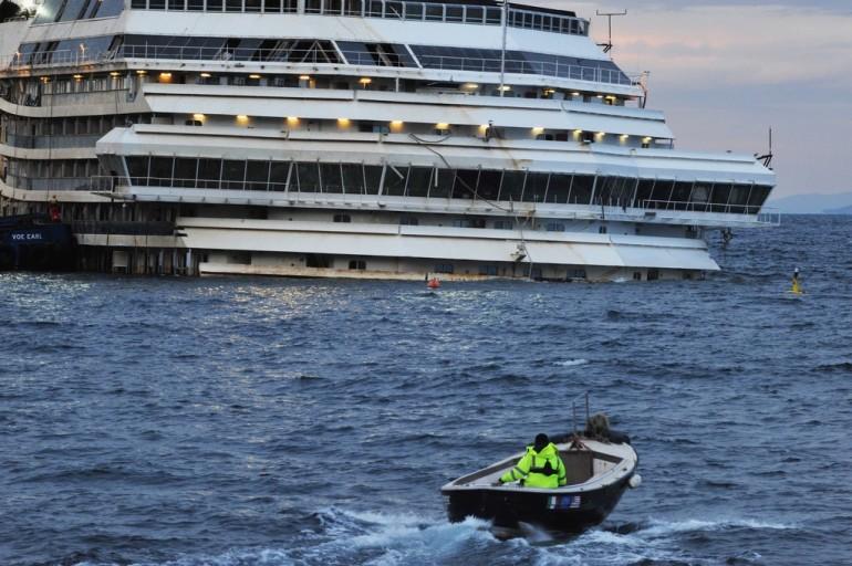 Altro lutto per la Costa Concordia: muore un sub tra le lamiere del relitto