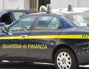 Centrale del falso scoperta nel Napoletano. Due arresti.