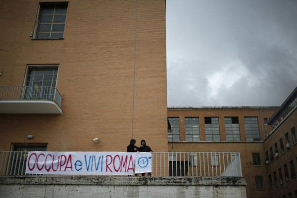 """""""Occupa e vivi Roma!"""", la campagna per agevolare gli studenti in cerca di casa"""