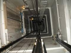 Tragedia nel Napoletano: 75enne precipita nel vano ascensore