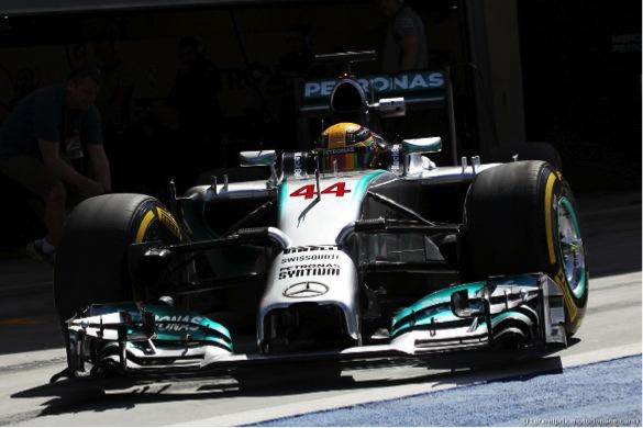 Test in Bahrein: Mercedes davanti a tutti