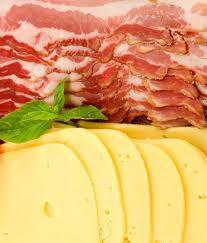 Meno carne e formaggio per gli over 50