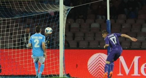 La Fiorentina sbanca Napoli, Inter beffata dall'Atalanta. Posticipi: vince la Juve, Lazio – Milan 1-1
