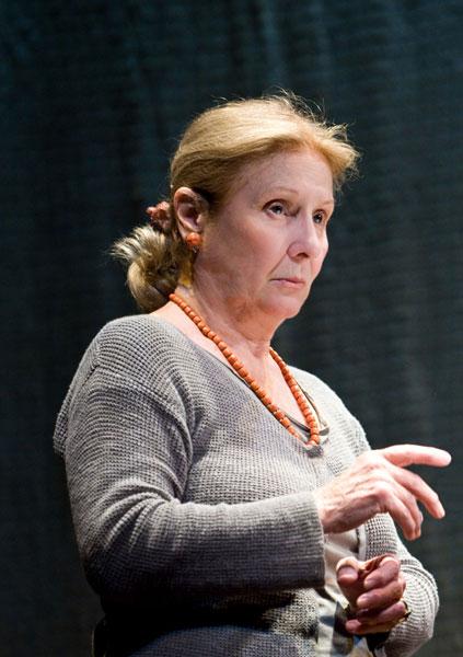 Giulia e la passione teatrale: il Piccolo Teatro festeggia gli ottant'anni di Giulia Lazzarini