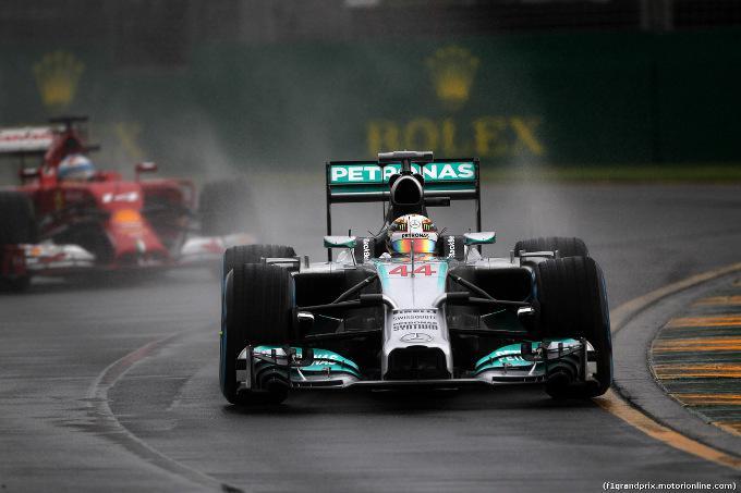 GP Australia: Hamilton in pole position