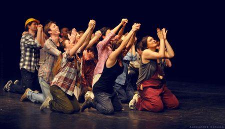 Gli allievi della scuola Teatri Possibili in scena al Teatro Libero