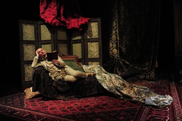 """""""Gabriele D'Annunzio, tra amori e battaglie"""", di Francesco Sala, al Teatro Mercadante di Napoli"""