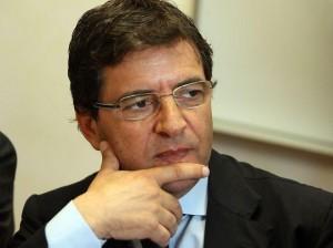 Scattano di nuovo le manette per l'ex parlamentare Cosentino.