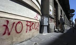 Omofobia: La facciata della chiesa Valdese di Roma imbrattata con scritte antigay