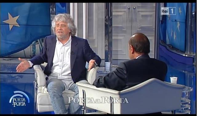 Grillo attacca Renzi a Porta a Porta: «L'ebetino è finito, tutti a casa»