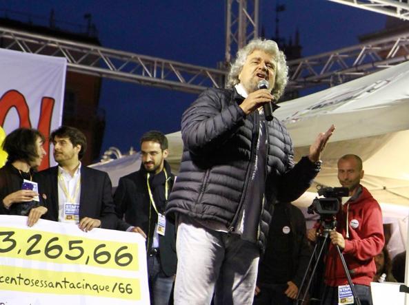 """Grillo a Milano: """"stiamo vincendoi noi. Saremo cattivi ma senza violenza"""""""