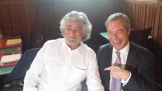 M5S a caccia di alleanze, possibili accordi con i populisti inglesi