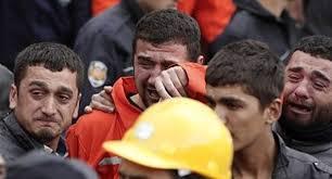 Inferno a Soma. Erdogan fischiato e scontri a Istanbul