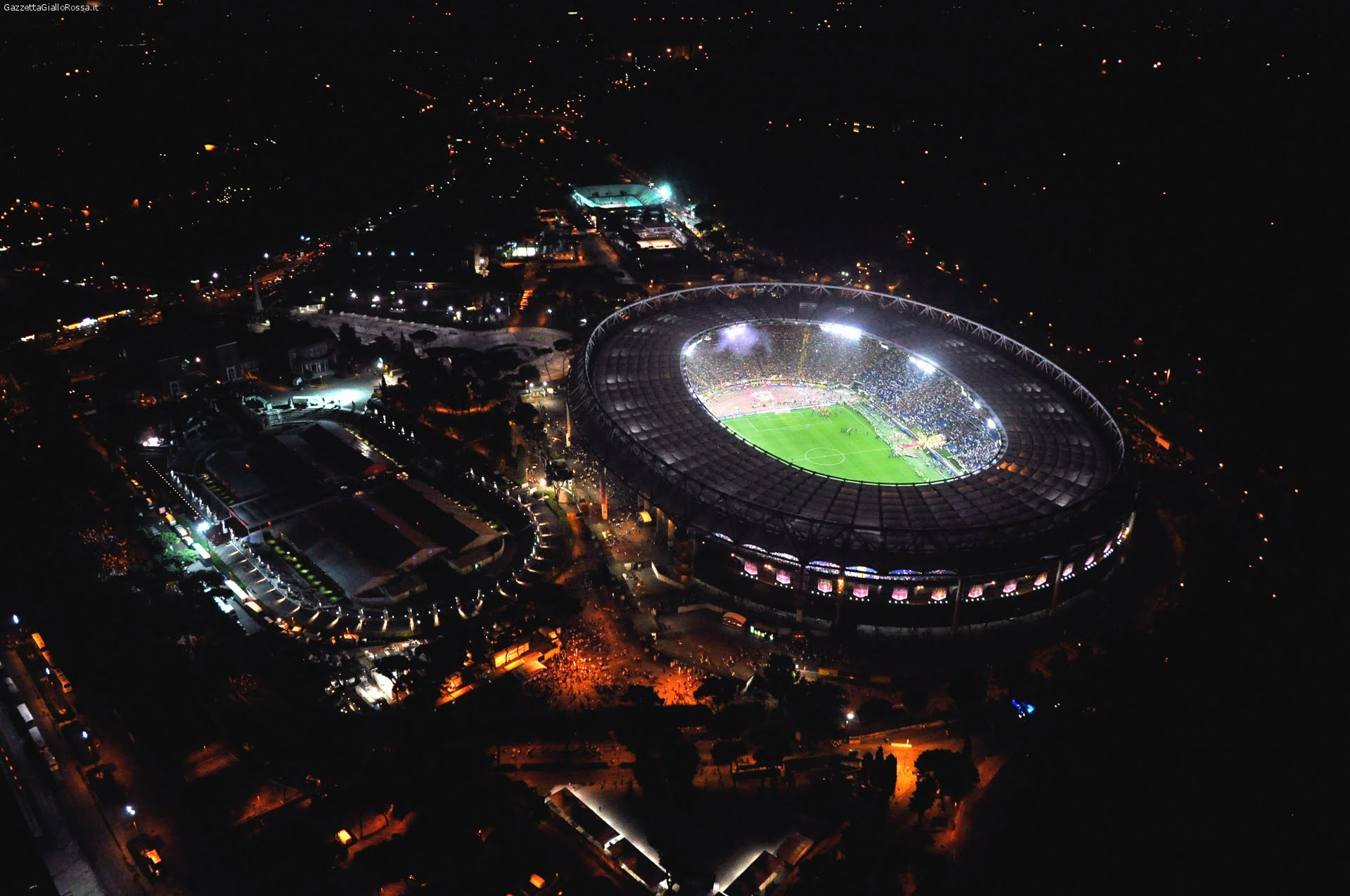 Violenza fuori l'Olimpico. Tre tifosi feriti prima di Fiorentina – Napoli