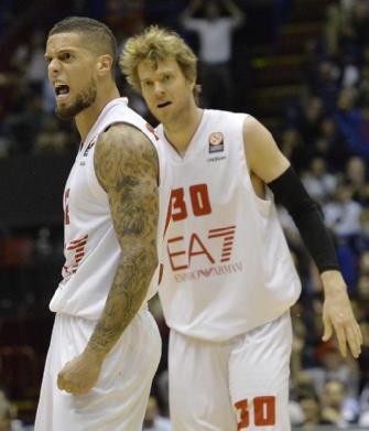 Basket, playoff scudetto: Milano espugna Sassari. È 2-1 nella serie