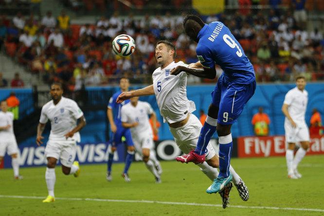 """Italia esordio """"Mundial"""" con il botto. Balotelli abbatte la corazzata inglese"""