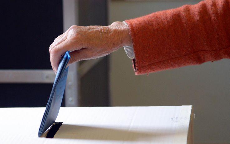 Ballottaggi: sono 148 i Comuni italiani che oggi votano per il Sindaco