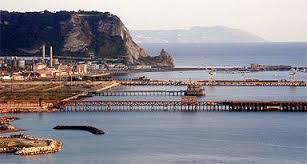 Napoli, suona la sirena: protestano i lavoratori di Bagnoli Futura…