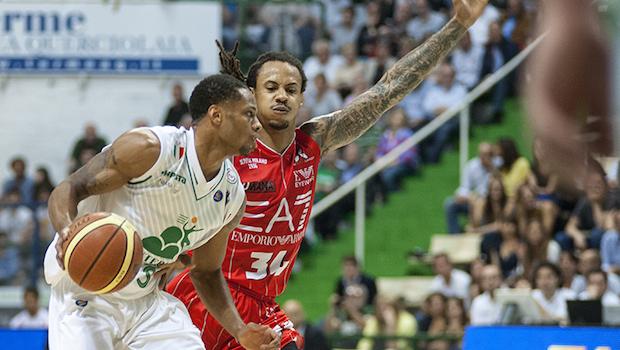 Basket, finale scudetto: Milano – Siena 74-61. Jerrells mette la firma su gara-1
