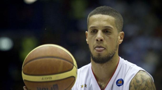 """Basket, Hackett condannato a 6 mesi di stop. L'EA7: """"Squalifica da valutare"""""""