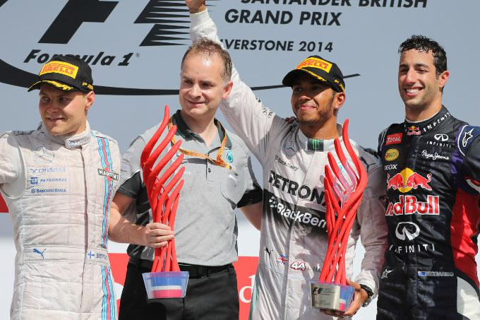 GP Gran Bretagna: Hamilton vince, Rosberg ritirato