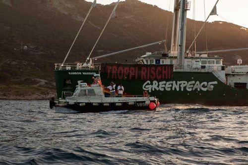 Greenpeace scorterà la Concordia dal Giglio a Genova