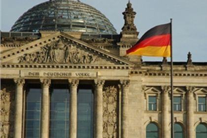 """L'economia tedesca rallenta. Padoan: """"Campanello d'allarme"""""""