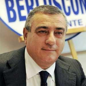 Forza Italia, nei guai anche il deputato Luigi Cesaro