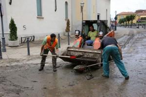 pulizia-strade-inondante-Seveso