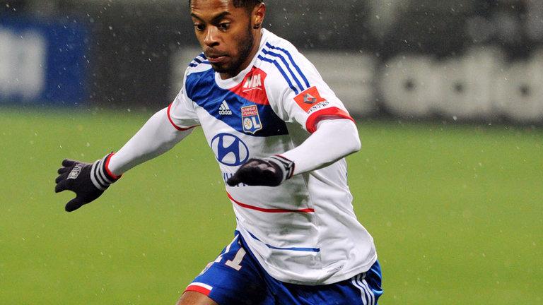 Michel Bastos firma per il San Paolo