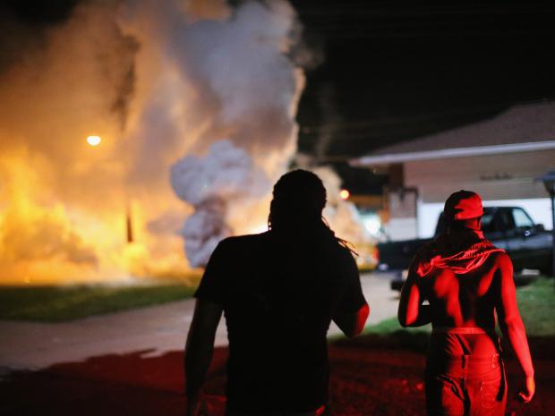 Stati Uniti: violato il coprifuoco a Ferguson
