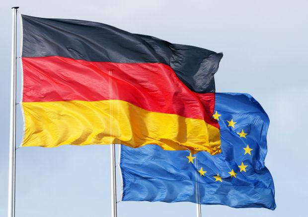Crisi, anche la Germania frena. Pil a -0,2%