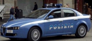 Napoli: negoziante accoltellato all'addome  in piazza Garibaldi dopo rapina