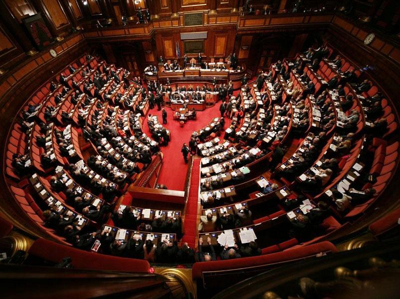 Fine del bicameralismo perfetto: il Senato approva la riforma